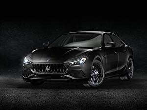Bilder Maserati Grauer Hintergrund Grau 2018 Maserati Levante S Q4  Nerissimo Autos