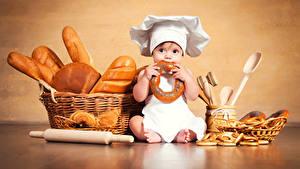Images Bread Baking Newborn Cook Hat Wicker basket Sitting Children