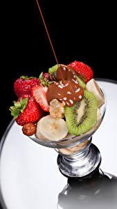 Fotos Obst Schokolade Erdbeeren Chinesische Stachelbeere