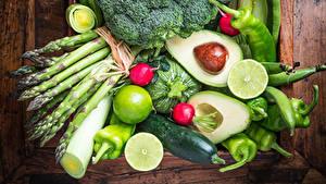 Bilder Gemüse Obst Avocado Paprika Gurke Bretter