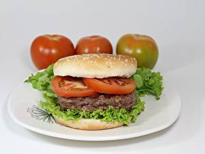 Bilder Tomate Fleischwaren Burger Teller Geschnitten
