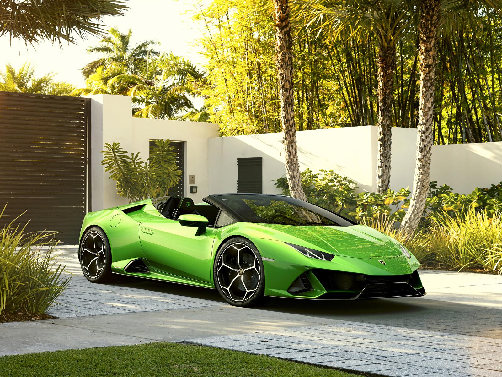 Hintergrundbilder Lamborghini 2019 Huracan EVO Spyder Roadster Gelb grüne auto Metallisch 1600x1200 hellgrüne Autos automobil