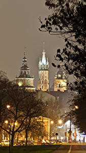 Hintergrundbilder Krakau Polen Burg Nacht Bäume Straßenlaterne Wawel