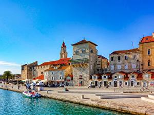 Bilder Kroatien Bootssteg Boot Gebäude Trogir, Dalmatia region, Kastelanski Bay Städte