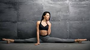 Hintergrundbilder Fitness Brünette Spagat Hand junge Frauen Sport
