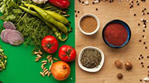 Fotos Gemüse Gewürze Tomate Zwiebel Peperone Knoblauch Dill Schwarzer Pfeffer