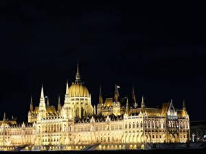 Desktop hintergrundbilder Ungarn Budapest Gebäude Design Nacht Hungarian Parliament Städte