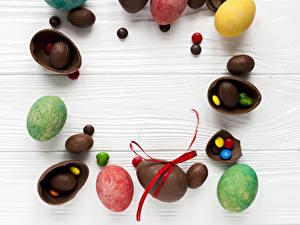 Hintergrundbilder Ostern Schokolade Bonbon Süßigkeiten Bretter Ei