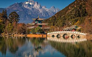 Sfondi desktop Cina Montagne Fiumi Pagoda Ponte Yunnan Province Natura