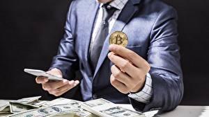 Bilder Dollars Geld Finger Münze Bitcoin Hand Unternehmen Anzug