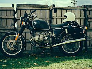 Hintergrundbilder BMW - Motorrad Antik Zaun Gras Helm r90/6 Motorräder