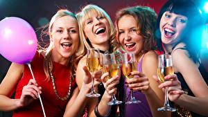 Hintergrundbilder Feiertage Schmuck Luftballon Lacht Glücklich Blond Mädchen Weinglas Mädchens