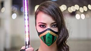 Hintergrundbilder Maske Asiatisches Ninja Cosplay Brünette Haar Blick Schwert Schön junge frau