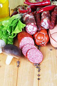 Hintergrundbilder Fleischwaren Wurst Pilze Bretter