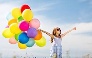 Hintergrundbilder Viel Kleine Mädchen Brille Hand Fesselballon Kleid Kinder