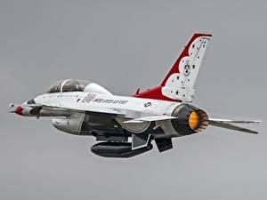 Bilder Flugzeuge Jagdflugzeug F-16 Fighting Falcon US Grauer Hintergrund F-16D Thunderbirds, General Dynamics Luftfahrt