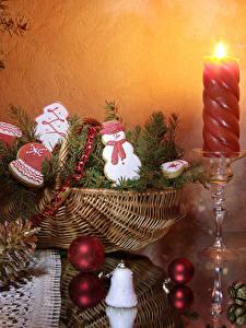 Hintergrundbilder Neujahr Kerzen Kekse Weidenkorb Zapfen Kugeln Design Schneemänner Lebensmittel