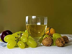 Fondos de Pantalla Uvas Nuez Vino Bodegón Vaso de vino