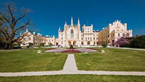 Fotos Tschechische Republik Burg Rasen Lednice Castle Städte