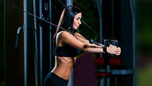 Hintergrundbilder Fitness Brünette Trainieren sportliches Mädchens