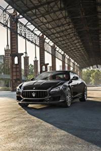 Bilder Maserati Grau Metallisch 2017 Quattroporte GTS GranSport Autos