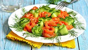Fotos Salat Gemüse Dill Bretter Teller Lebensmittel