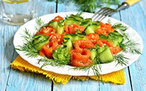 Fotos Salat Gemüse Dill Bretter Teller