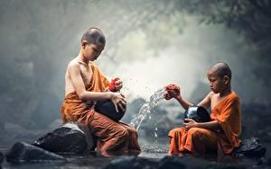 Fotos Steine Asiatische Junge 2 Sitzt kind