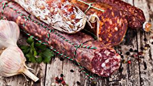 Bilder Fleischwaren Wurst Knoblauch Bretter