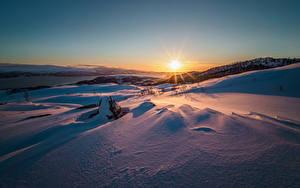 Bilder Winter Sonnenaufgänge und Sonnenuntergänge Schnee Sonne
