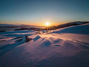 Bilder Winter Sonnenaufgänge und Sonnenuntergänge Schnee Sonne Natur