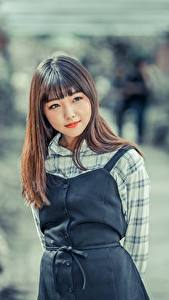 Hintergrundbilder Asiaten Unscharfer Hintergrund Braune Haare Starren junge frau