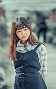 Hintergrundbilder Asiaten Unscharfer Hintergrund Braune Haare Starren