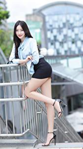 Hintergrundbilder Asiatisches Brünette Posiert Bein Rock Bluse Lächeln Blick