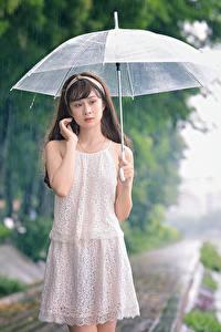 Fonds d'écran Asiatique Pluie Parapluie Les robes