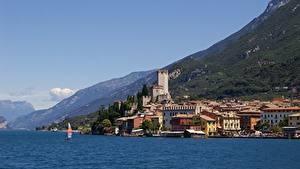 Hintergrundbilder Italien Gebirge Gebäude See Lombardy, Sirmione, province of Brescia, Lake Garda Städte