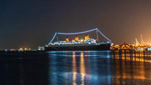 Bilder Vereinigte Staaten Schiff Kreuzfahrtschiff Kalifornien Bucht Nacht Lichterkette Queen Mary Natur
