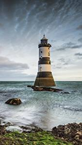 Fotos Vereinigtes Königreich Leuchtturm Wales Wolke Penmon Lighthouse