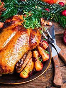 Fotos Neujahr Hühnerbraten Messer Bretter Ast Laterne Lebensmittel