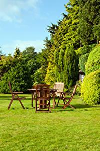 Hintergrundbilder Garten Rasen Strauch Tisch Stühle