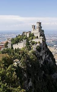 Hintergrundbilder Gebirge Burg Felsen Castle Of San Marino, Republic Of San Marino Städte