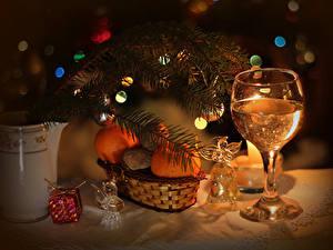 Papéis de parede Feriados Ano-Novo Champanhe Tangerina Galho Copo de vinho Sino Alimentos