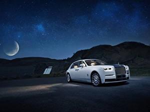 Fotos Rolls-Royce Weiß Nacht 2019 Phantom Tranquillity automobil