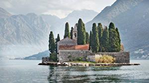 Hintergrundbilder Montenegro Gebirge Haus Insel Bucht Zaun Perast Kotor bay Städte