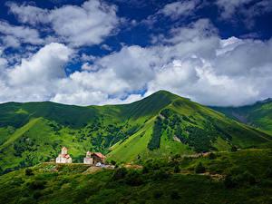 Fotos Himmel Gebirge Kirchengebäude Georgien Wolke Gudauri, Mtskheta-Mtianeti, Amaglebis Church