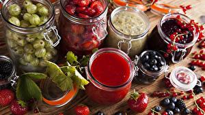 Fotos Marmelade Beere Johannisbeeren Heidelbeeren Erdbeeren Stachelbeere Einweckglas
