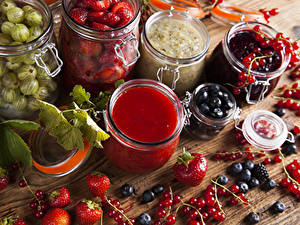 Fotos Warenje Beere Johannisbeeren Heidelbeeren Erdbeeren Stachelbeere Einweckglas das Essen