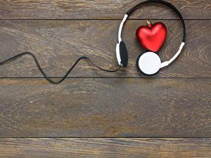 Papéis de parede Dia dos Namorados Coração Fones de ouvido Tábuas de madeira