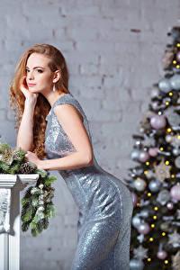 Fonds d'écran Nouvel An Les robes Arbre de Noël Boules Filles