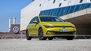 Hintergrundbilder Volkswagen Metallisch Vorne Gelb Golf eHYBRID, 2020